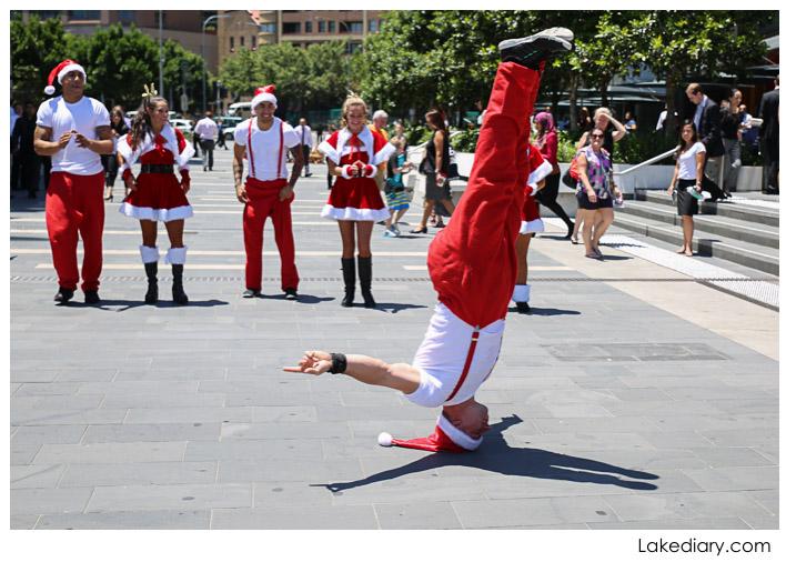 santa flash mob sydney