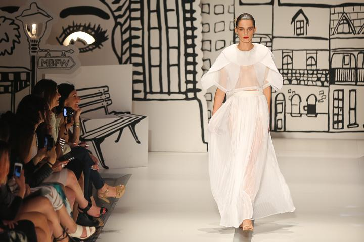 Sydney Mercedes-Benz Fashion Festival luxe shoes 2015-red carpet runway
