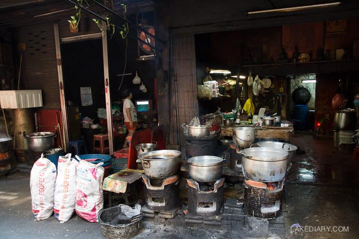 chinatown bangkok dark alleys