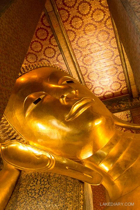 Bangkok Temple of Reclining Buddha