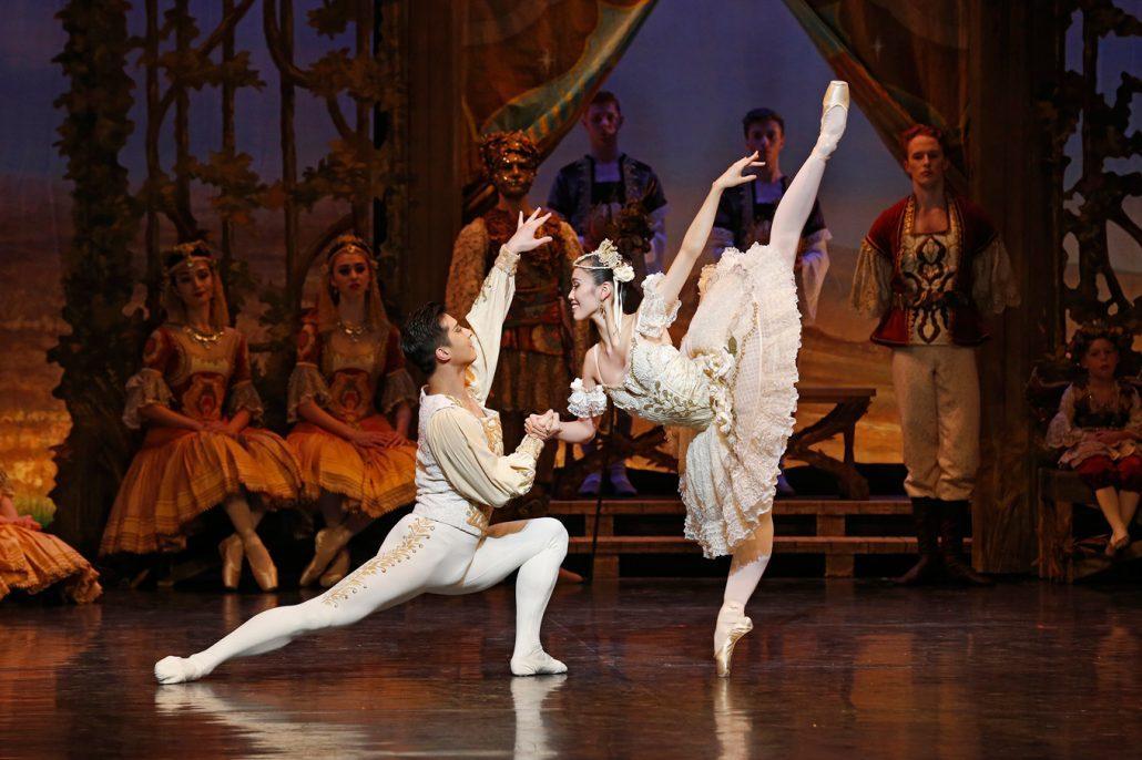 coppelia-2016-the-australian-ballet-chengwu-guo-ako-kondo