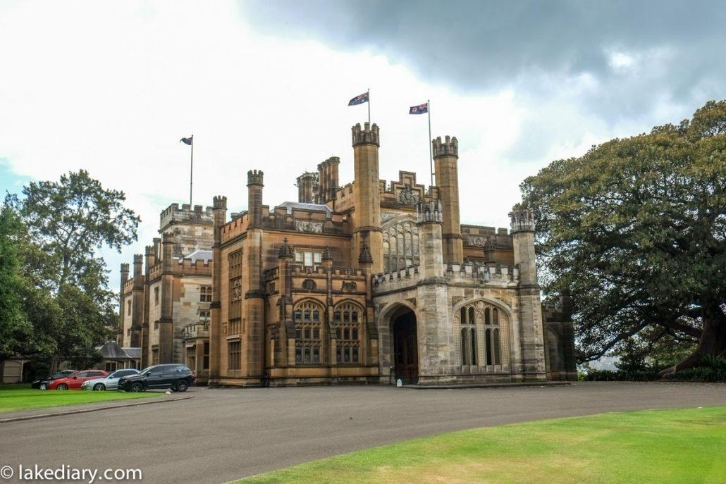 government house-3