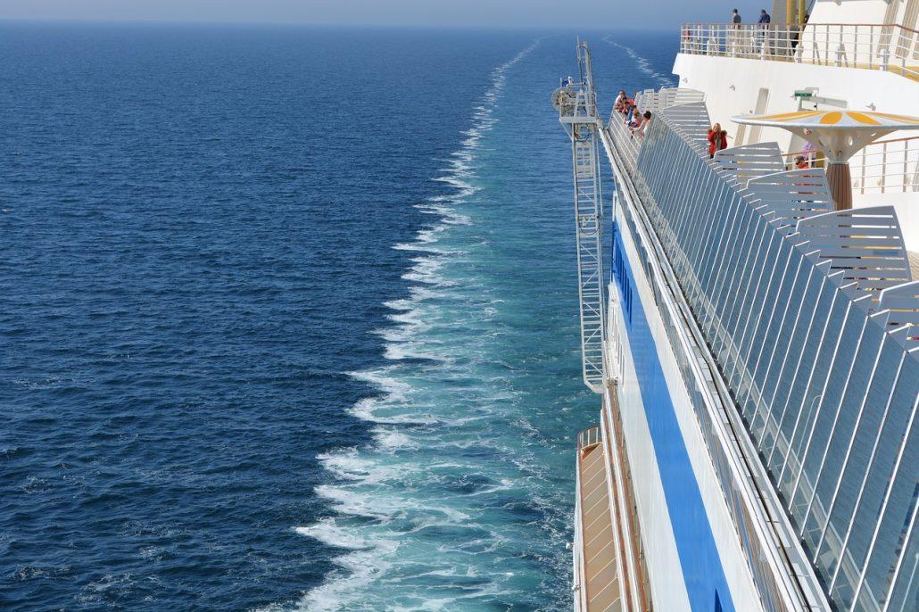 cruise- close up