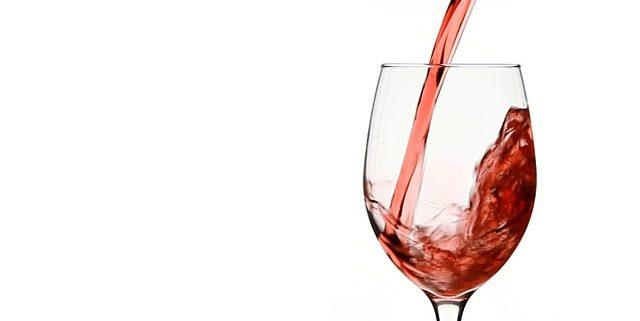 4 Great Reasons To Drink A Daily Glass Of Wine
