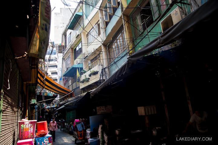bangkok chinatown bangkok dark alleys